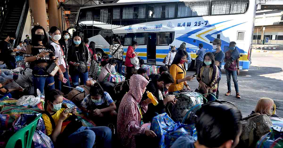 Thousands of migrant workers decided to cross borders