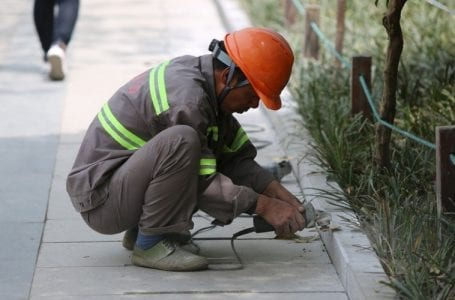Pakistan raises migrant workers' overdue salaries with Qatar's Labor Ministry