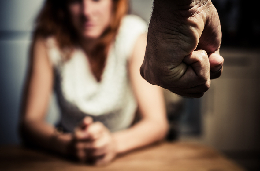 woman fear domestic abuse