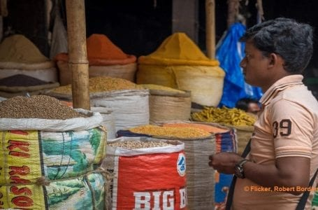 Constant Gaps Delay Grain Distribution To Indian Migrant Population