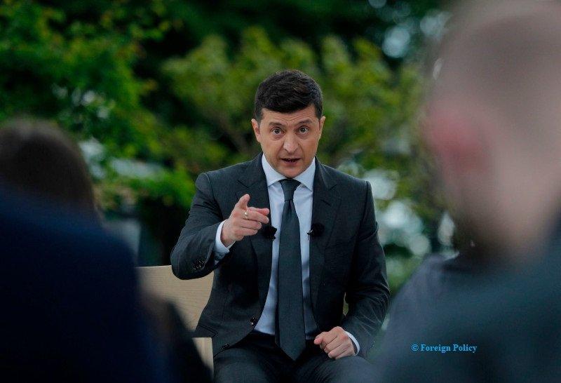 Ukrainians appeal President Zelensky