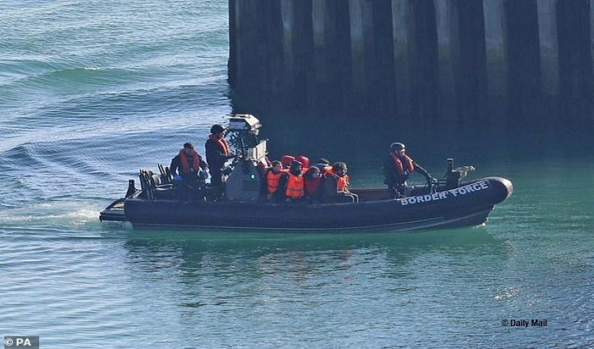 Minor Migrant Movement Surges Across English Channel