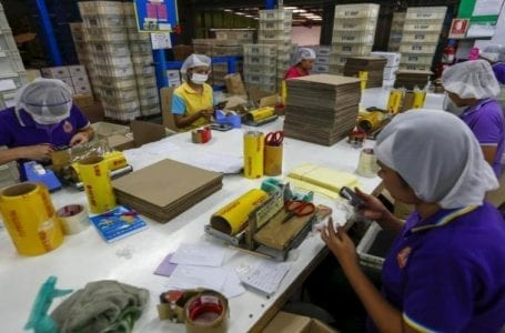 Migrant workers in Thailand launch legal action against garment factory over unpaid below minimum daily wage