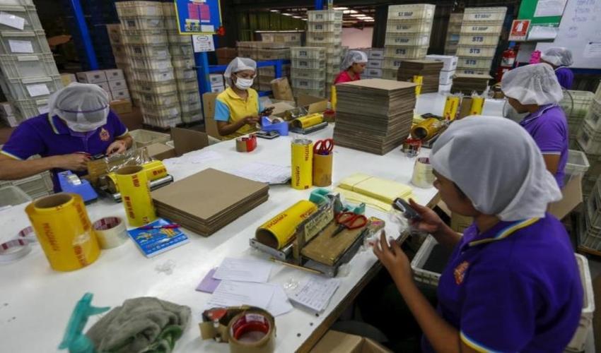 Thailand, labour rights, minimum wage, garment factories, Starbucks