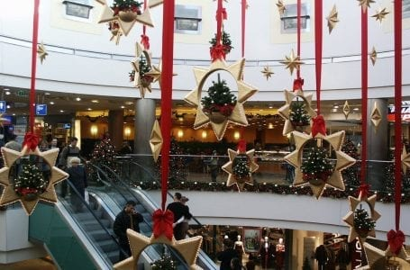 Migrant Workers Excused From Quarantine Period To Support Christmas Rush In England