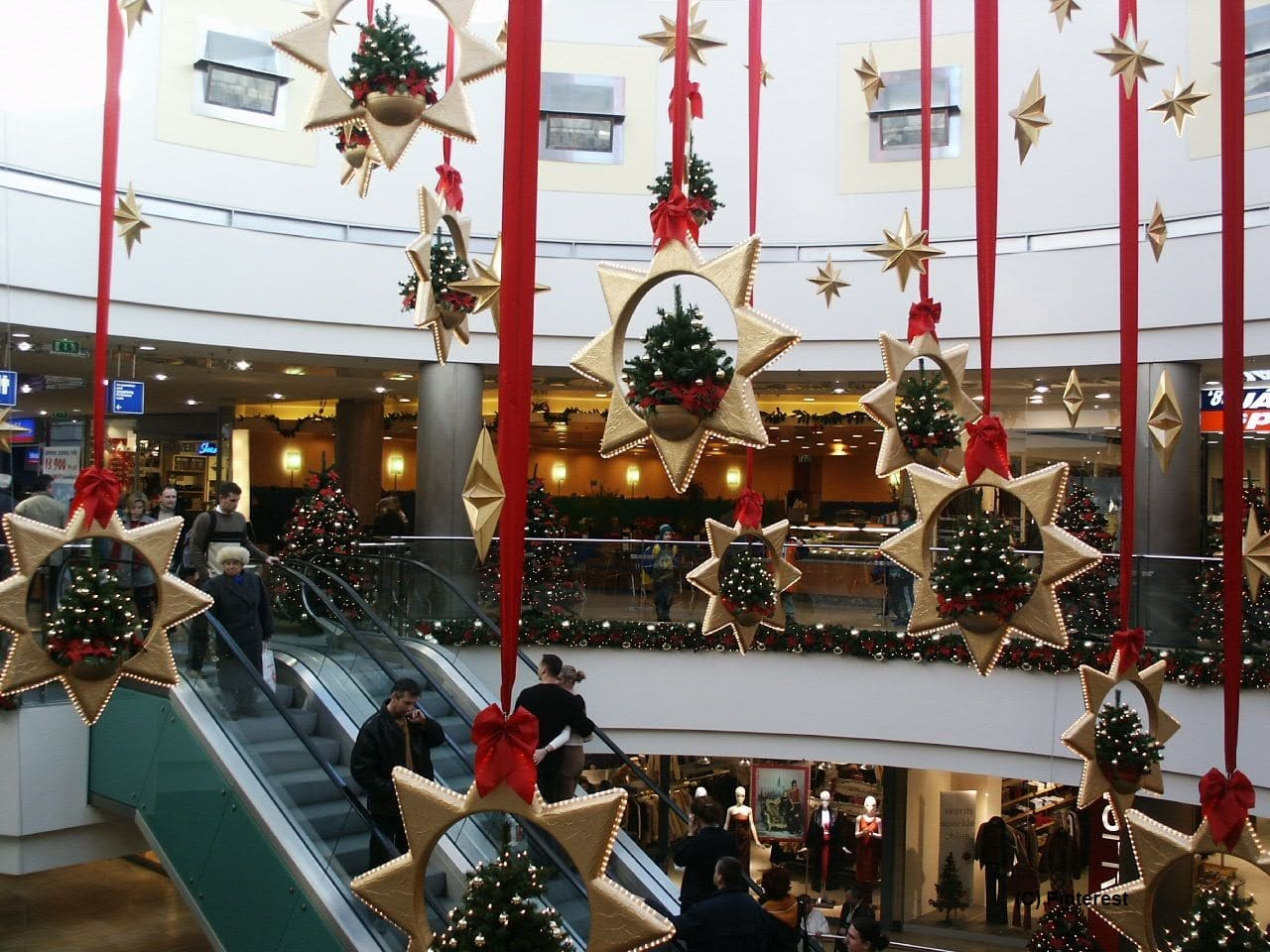 Migrant-Workers-Excused-From-Quarantine-Period-To-Support-Christmas-Rush-In-England
