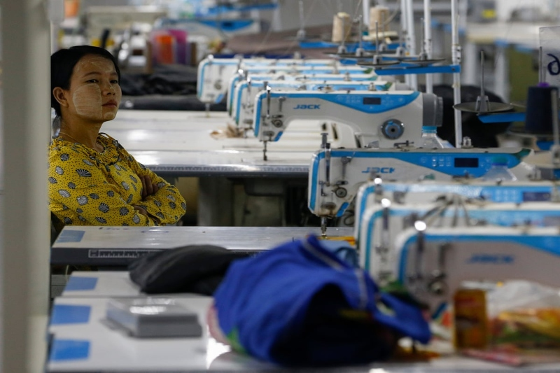 Textile workers in Pakistan