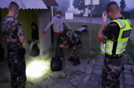 Lithuania to build a barrier on its border with Belarus to curtail migrant influx