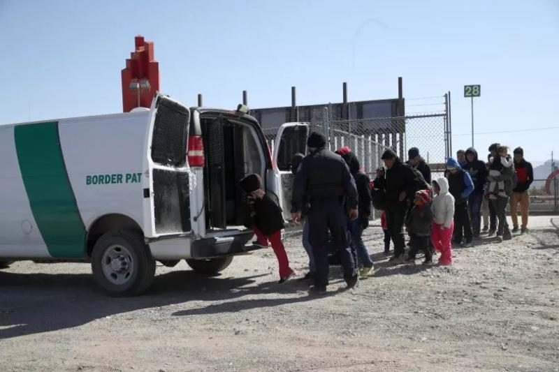 mexico migrant family