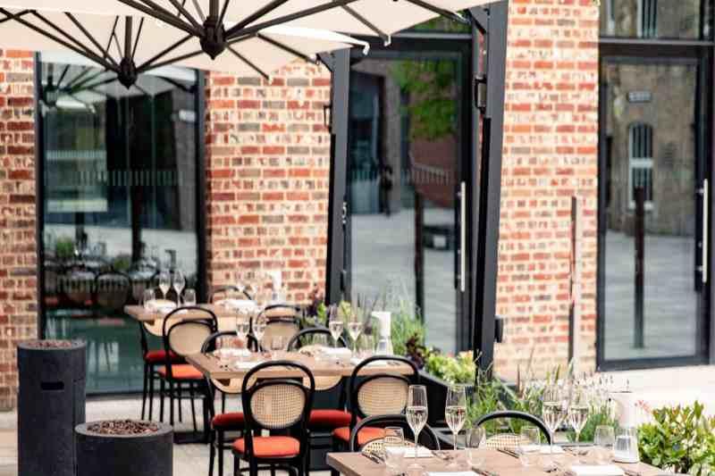 Bars and Restaurants reopen